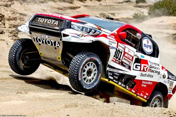 Attiyah, Peterhansel & Loeb fight it out Day 4 on the Dakar