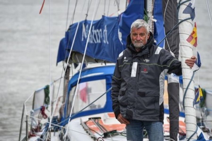 Golden Globe: Van Den Heede wins and sails into the record books