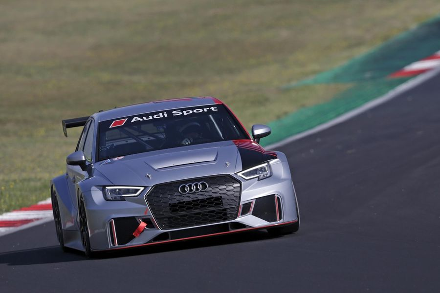 Audi fields 4 RS 3 LMS in FIA WTCR