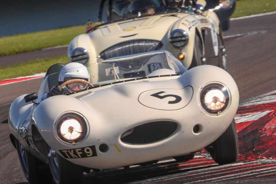 Action-packed 15 grids across 18 races at Donington Historic Festival