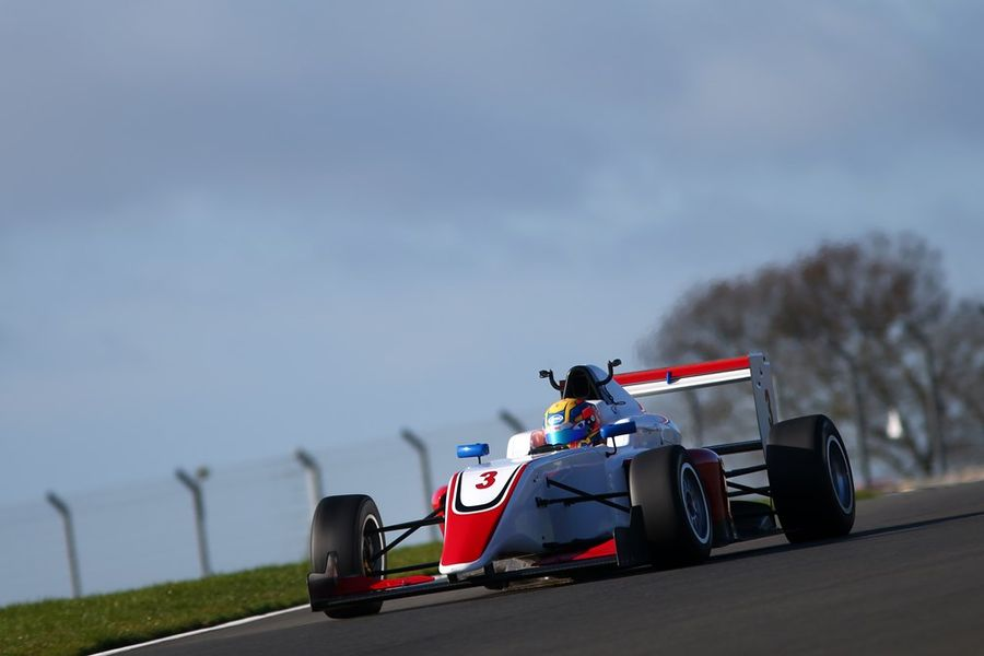 Hoggard clocks record pace on British F3 Media Day at Donington