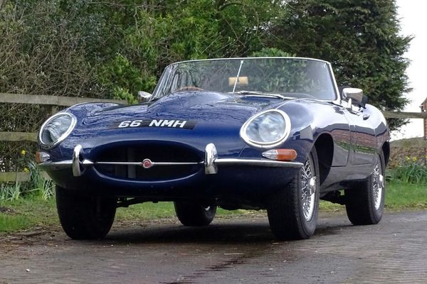 1963 Jaguar E-Type 3.8 Roadster Sells for £120,000 at H&H Buxton auction, results