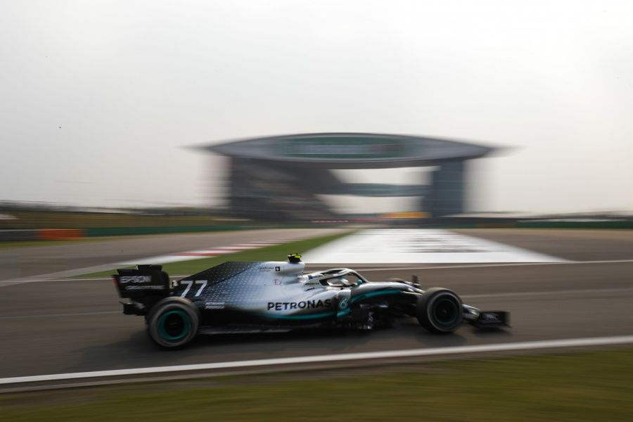 Bottas edges ahead in Shanghai F1 second practice