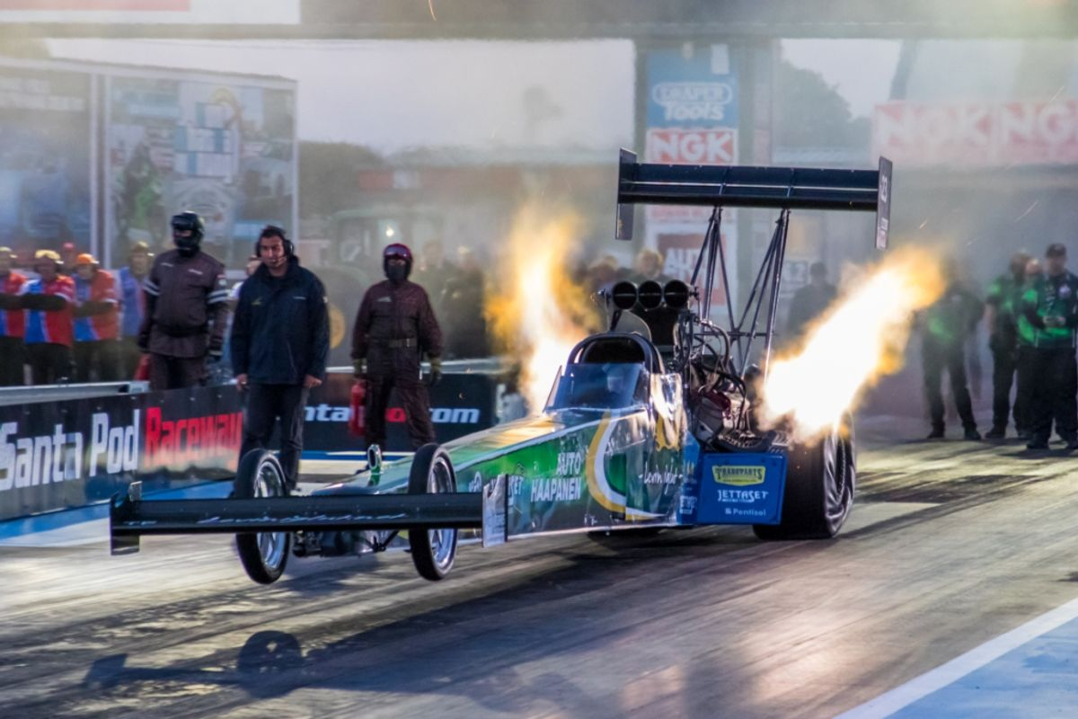 Women behind the wheel in Top Fuel Dragster