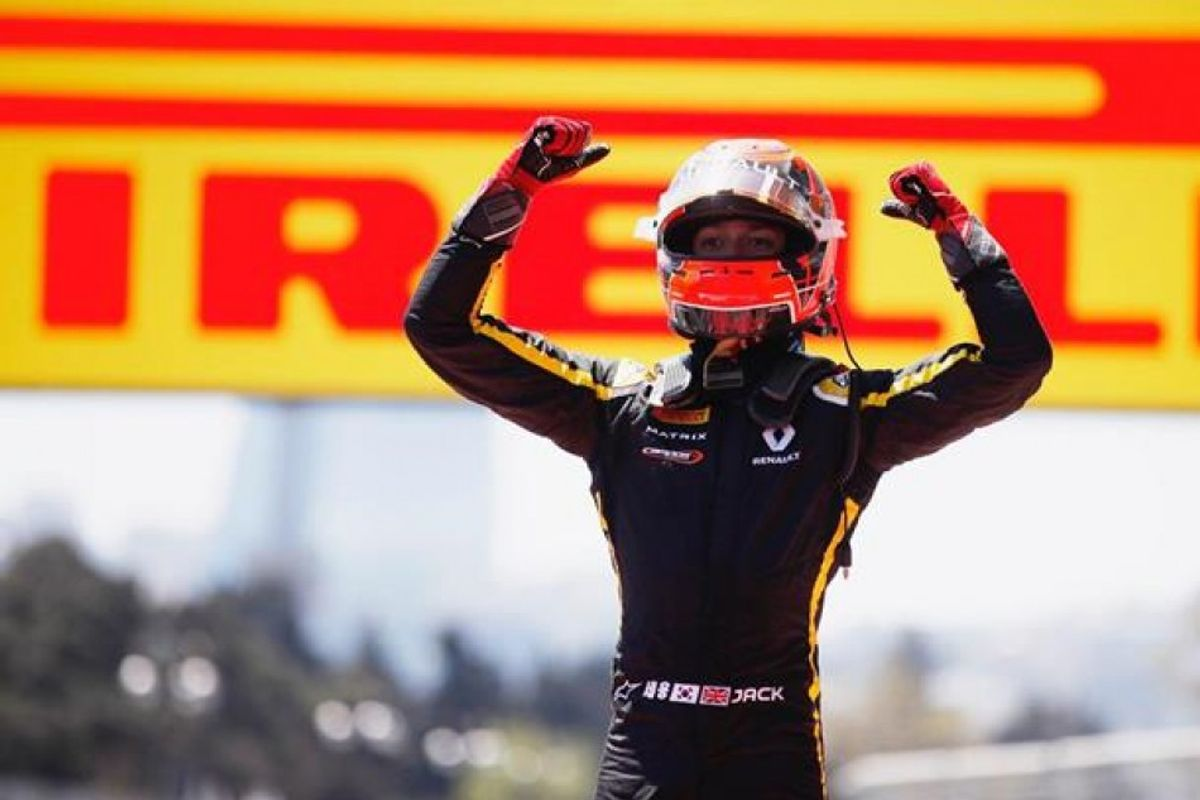 Aitken climbs seven places to seal F2 Feature Race win in Baku
