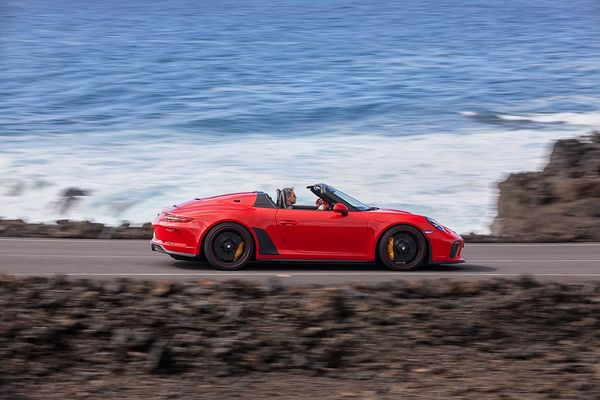 New Porsche 911 Speedster arrives with 510 PS
