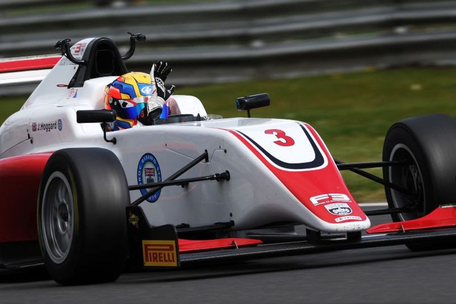 Hoggard takes Snetterton F3 race one win after storming past Novalak