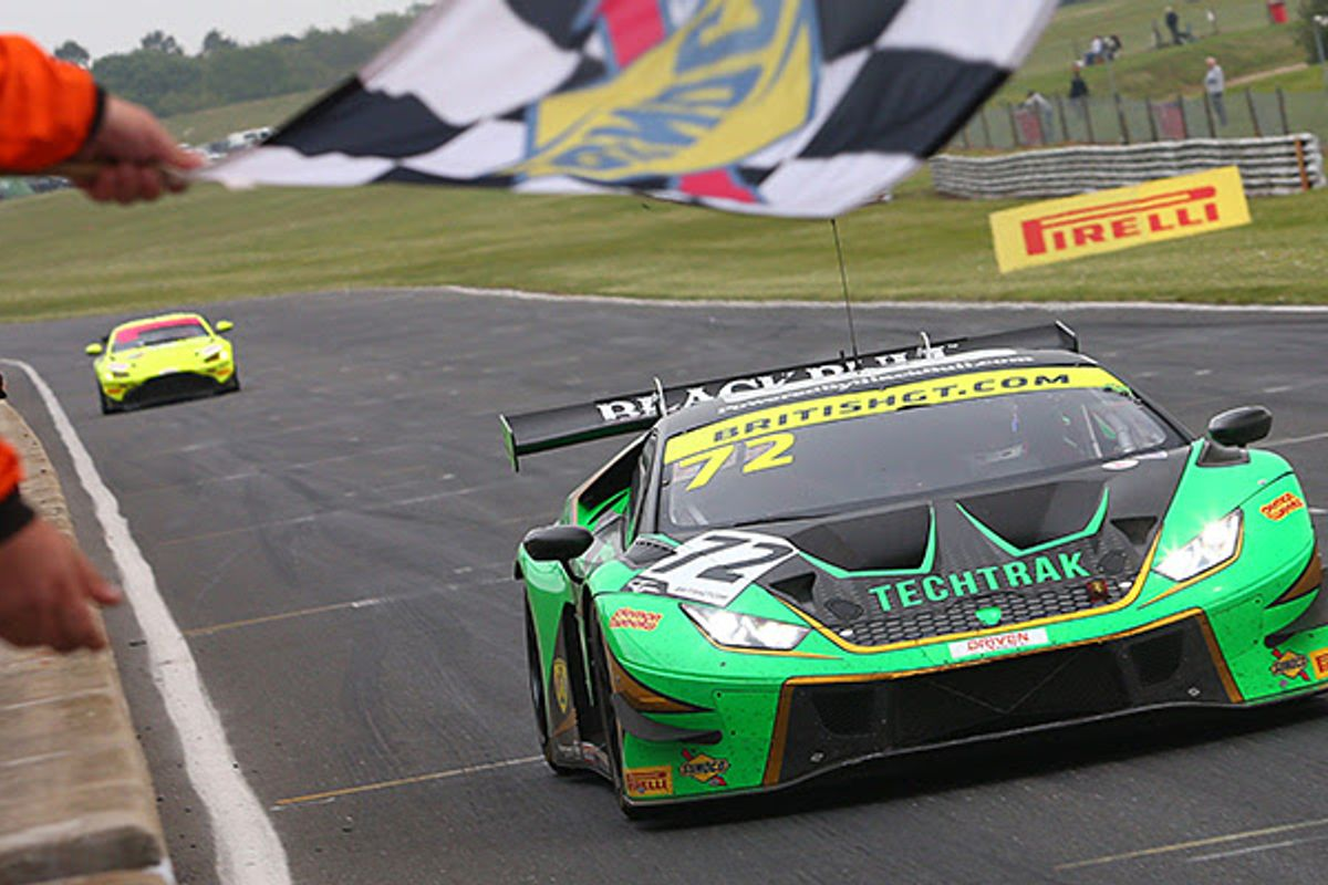 Balon/Keen and Williams/Fielding prevail in action-packed Snetterton British GT opener
