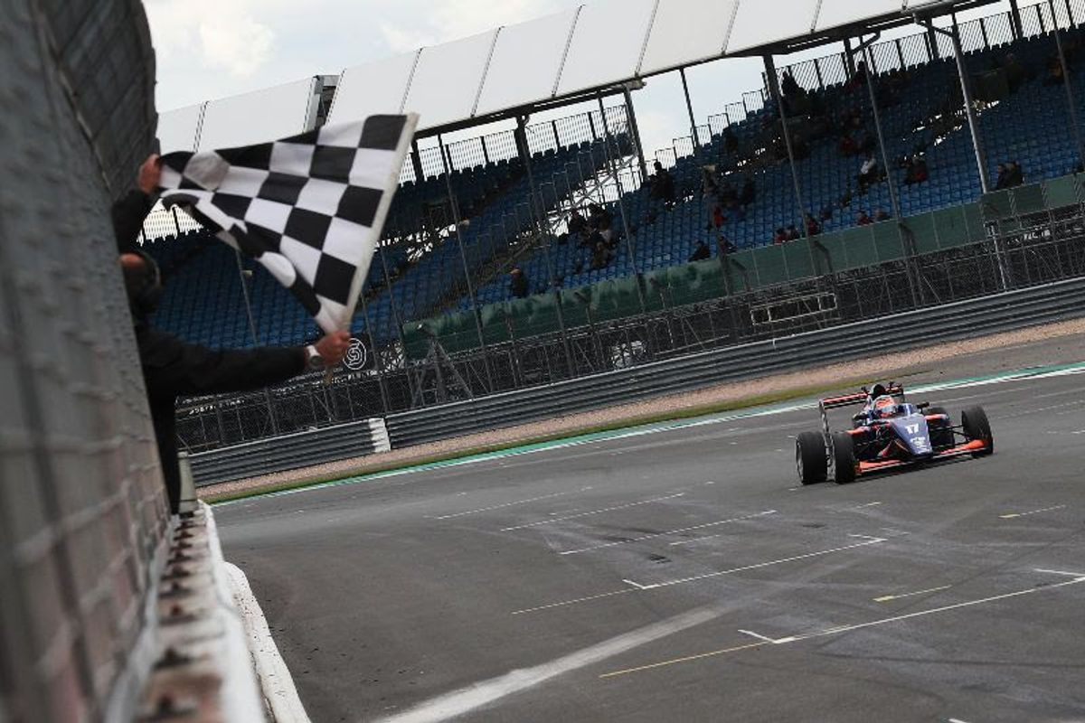 Novalak storms to F3 victory in Silverstone stunner