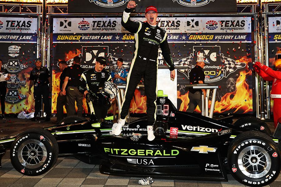 Newgarden makes late charge to win IndyCar at Texas Motor Speedway