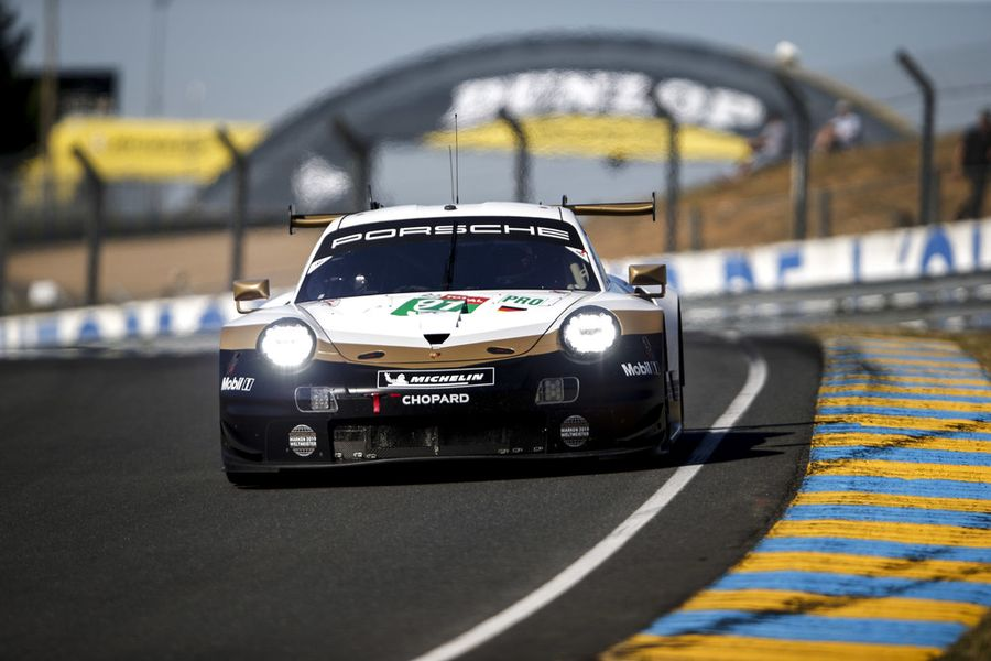 Porsche works drivers fight for WEC title at Le Mans