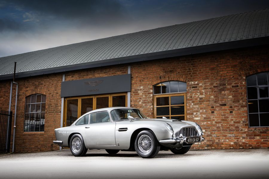 James Bond's Aston Martin DB5 leads Sotheby's Monterey sale, video