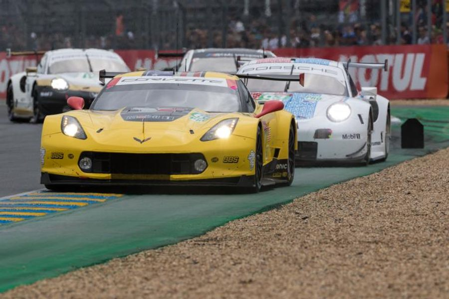 24 Hrs of Le Mans Hour 5 Roundup: No change at the top
