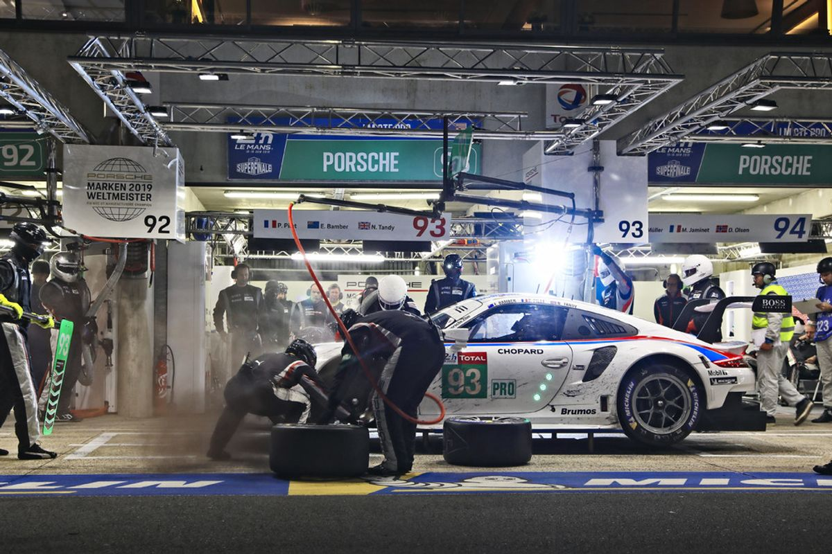 Porsche headed for podium at Le Mans 24-hour classic