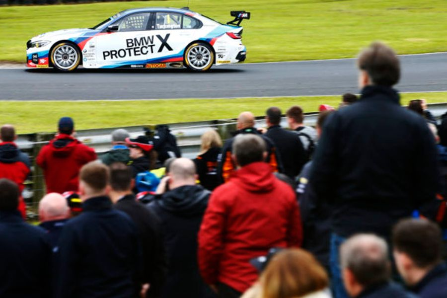 Turkington tops points table as BTCC heads to Oulton Park