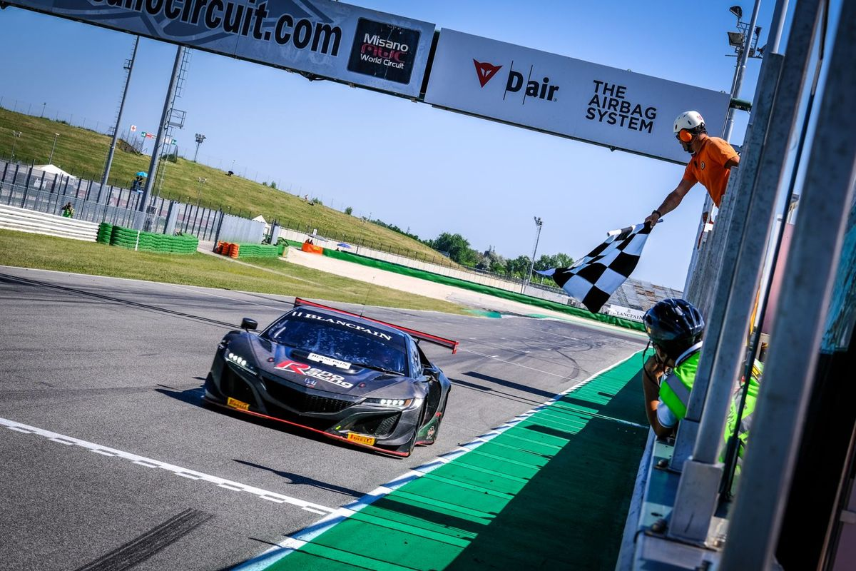 Moller extends Blancpain GT Sports Club championship lead