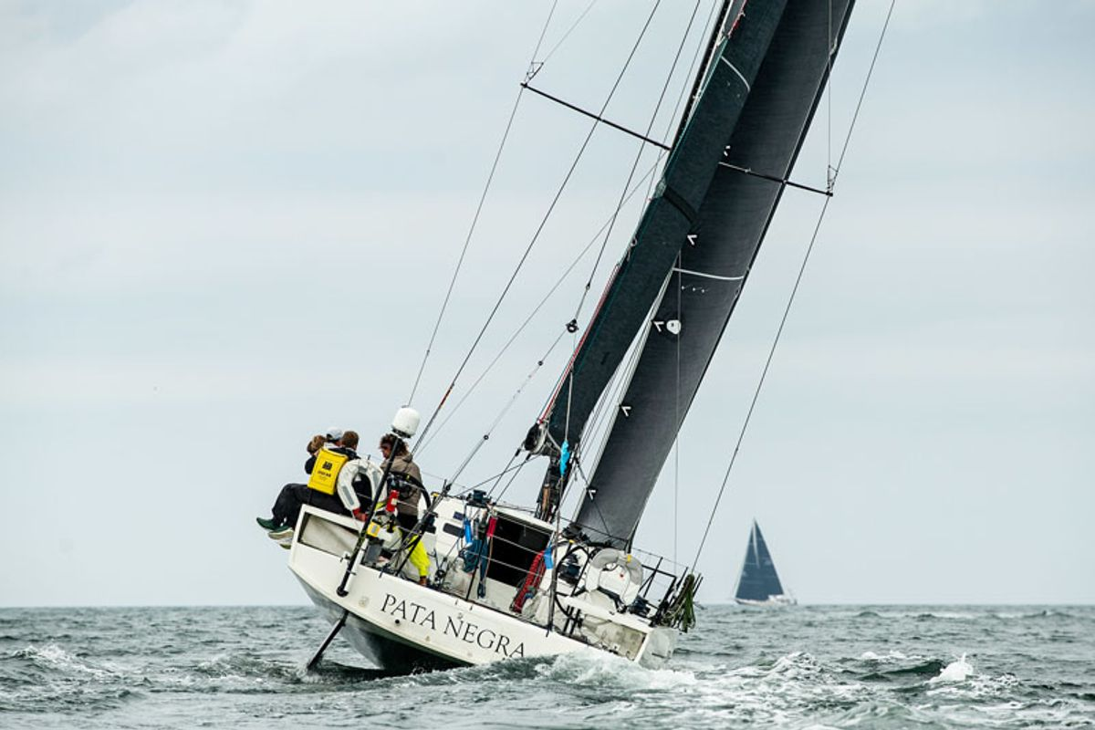 Transatlantic Race Leaders Setting Up to Slow Down