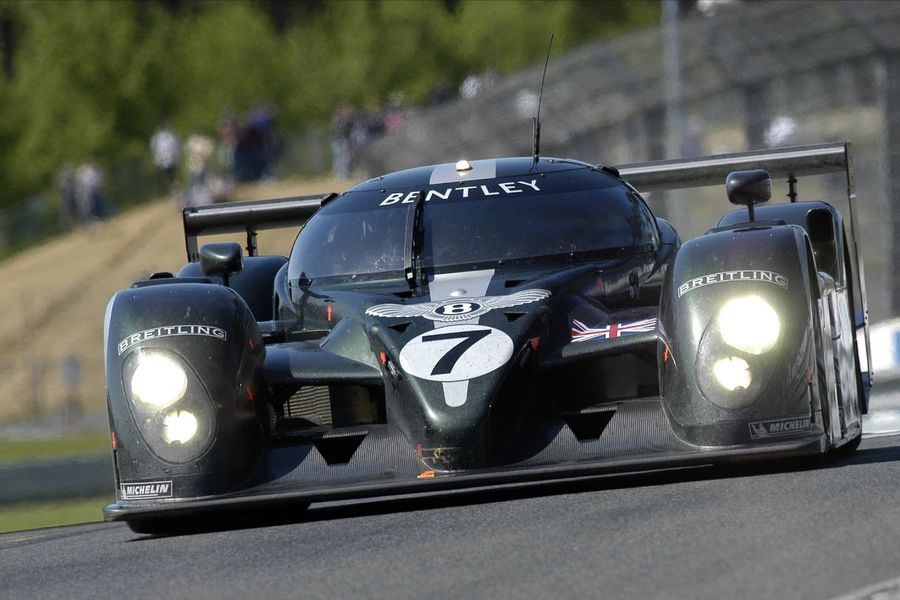 Bentley's Le Mans winning Speed 8 makes UK race debut at Silverstone Classic