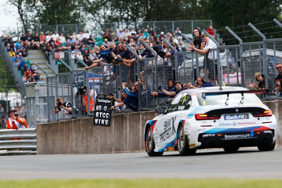 BTCC returns at Snetterton following mid-season break