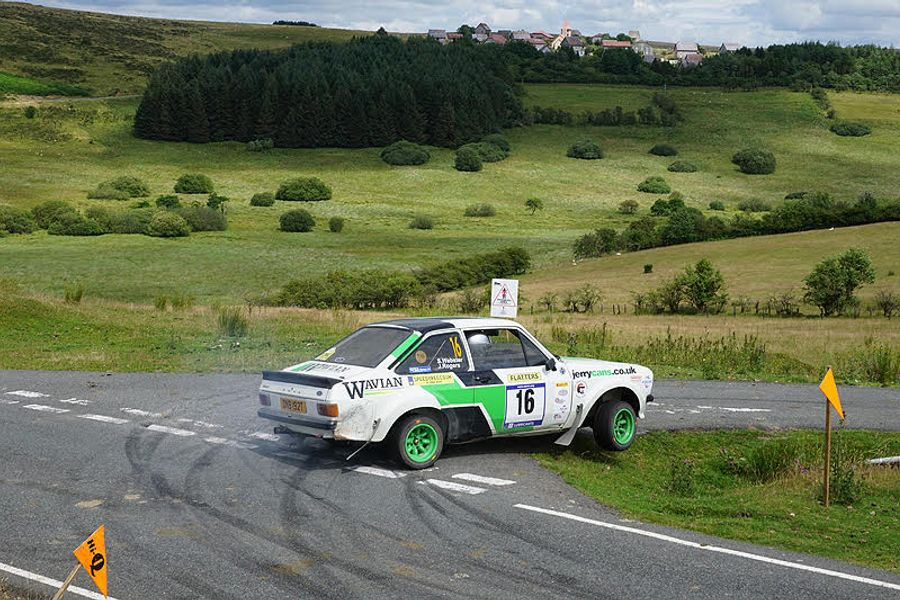 Elliott returns in style on Epynt
