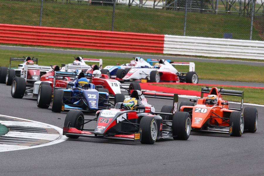 British F3 heads to Silverstone for potential title decider