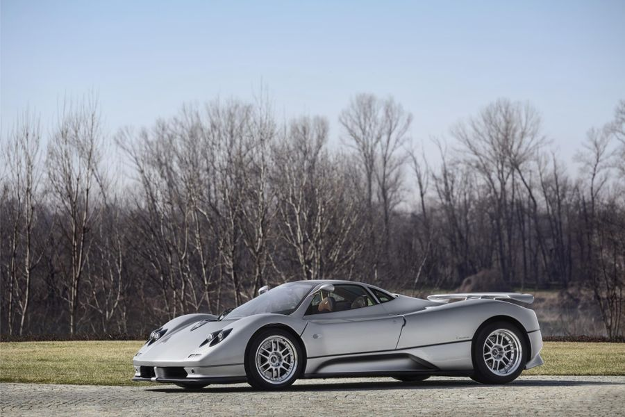 5 Pagani models on display at Salon Privé from early C12 to 760 Oliver Edition