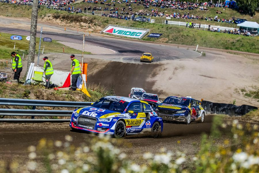 Larsson's Finnish success take RallyX Nordic down to the wire