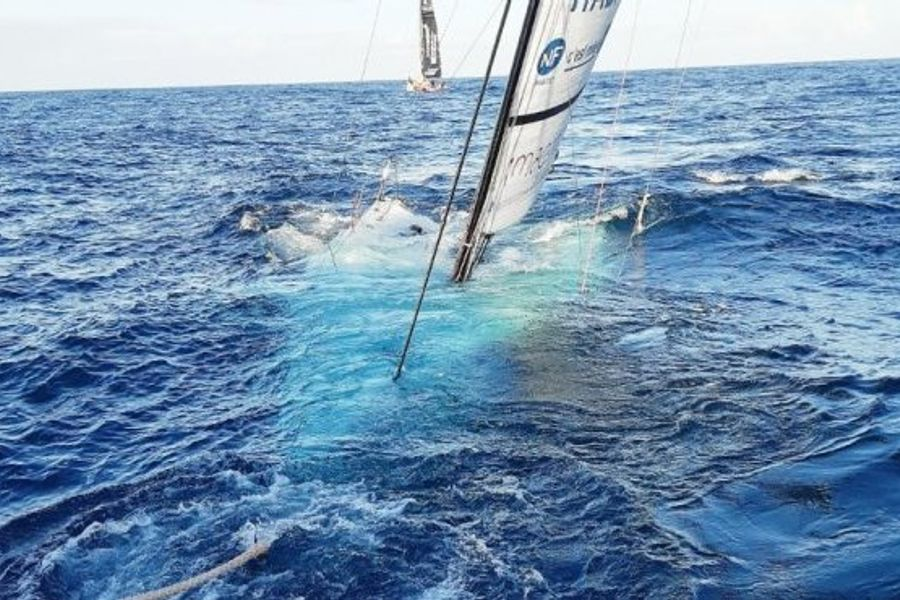 Figaro 3 sinks after hitting an unlit Cardinal buoy at night