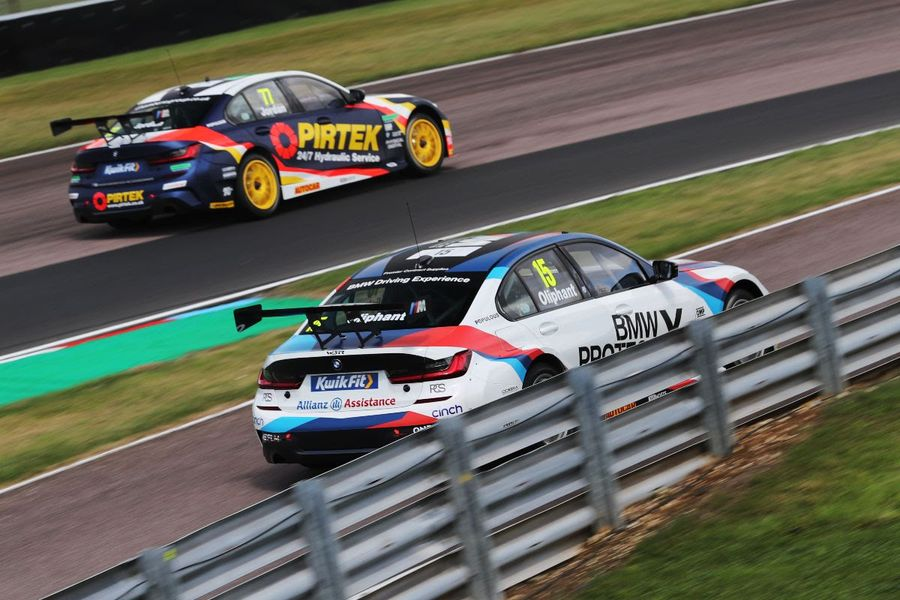 BMW trio head for Knockhill BTCC