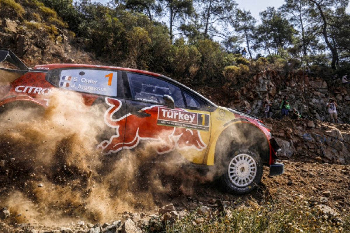 Ogier takes narrow Rally Turkey lead as title rivals struggle