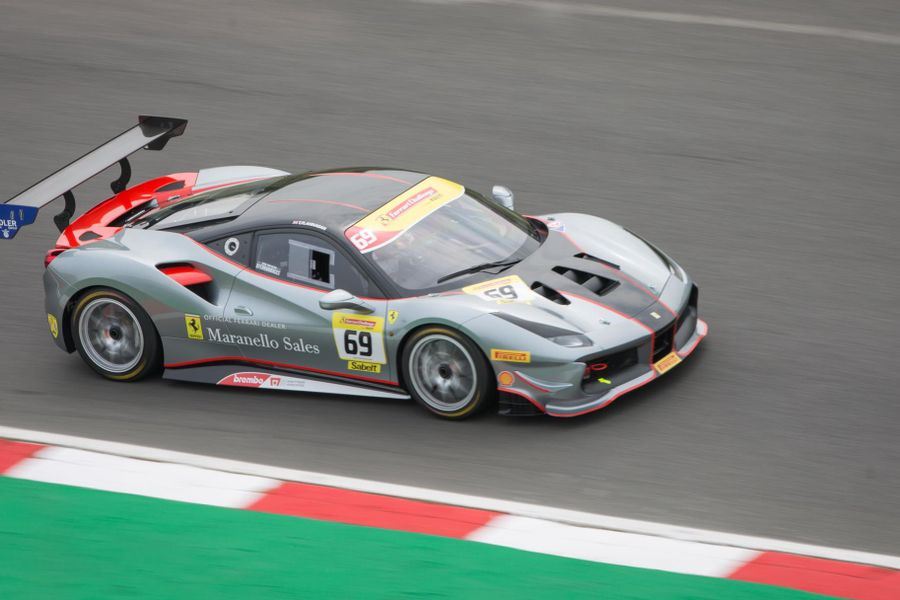 Ferrari Challenge UK heads to Silverstone title decider