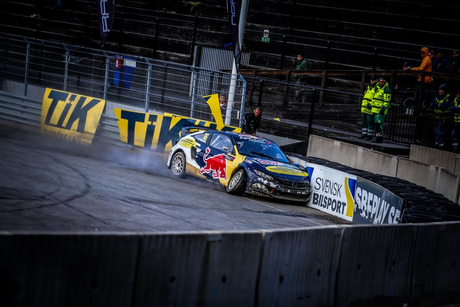 Eriksson's last lap drama hands Larsson Nordic RX crown by one point