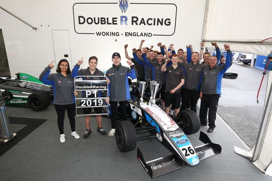 Clean Sweep For Double R At Silverstone As Alvarez Ties For F4 Points Lead