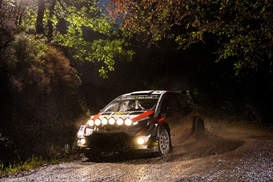 Tänak lights up Rally GB after taking late lead