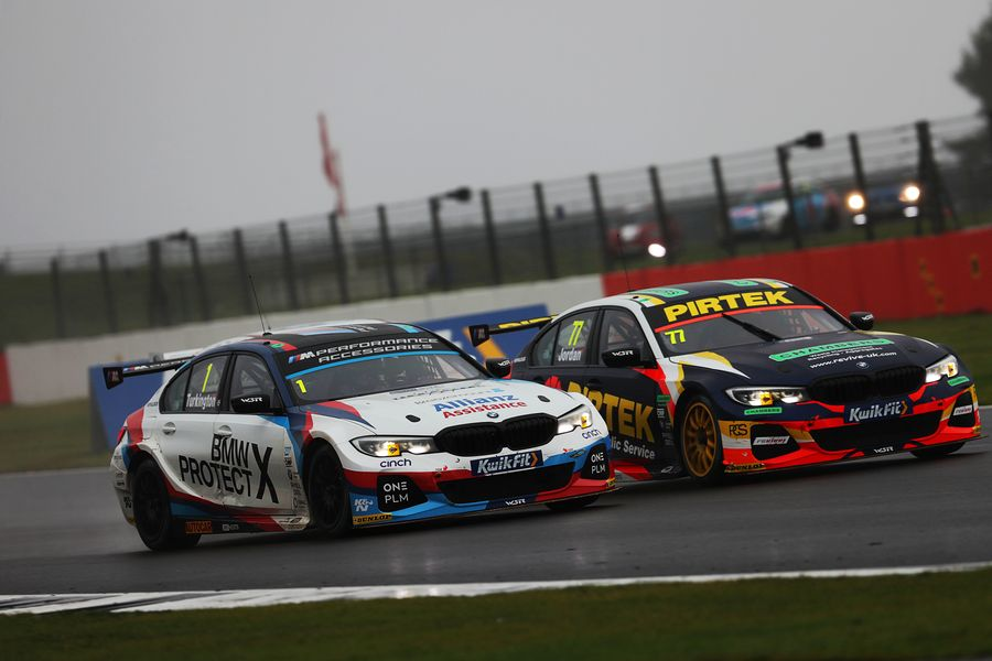 BMW hunting four titles in Brands BTCC showdown
