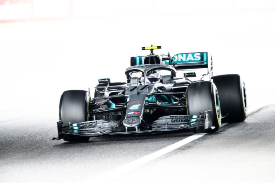 Bottas sets the pace in Japanese FP as storm clouds gather