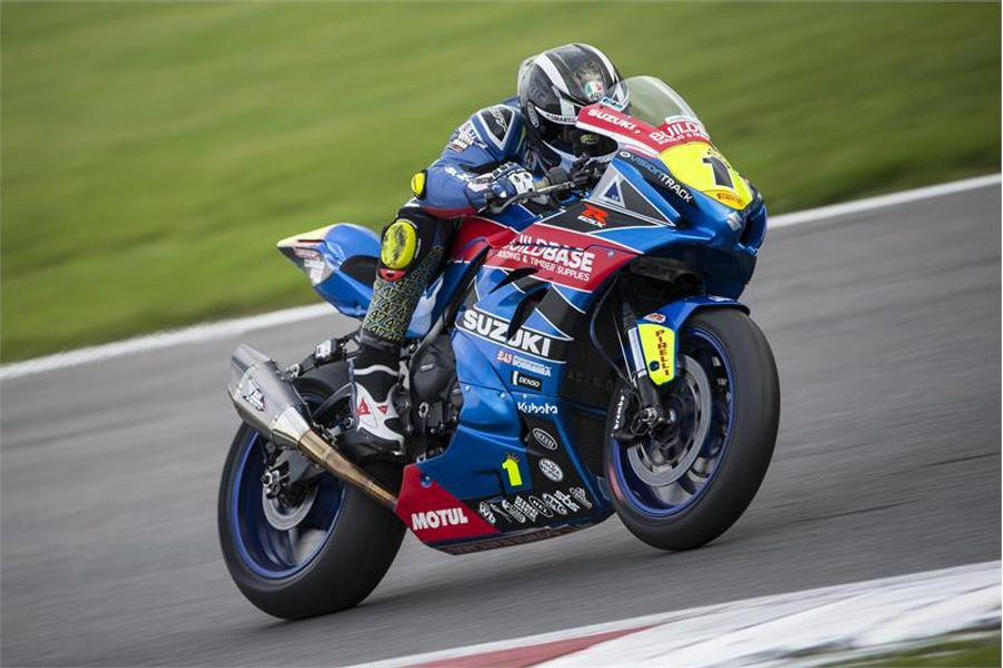 Buildbase Suzuki takes BSB title victory at Brands finale