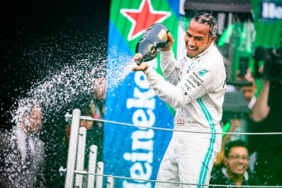 Mexican GP win for Hamilton edges him closer to title