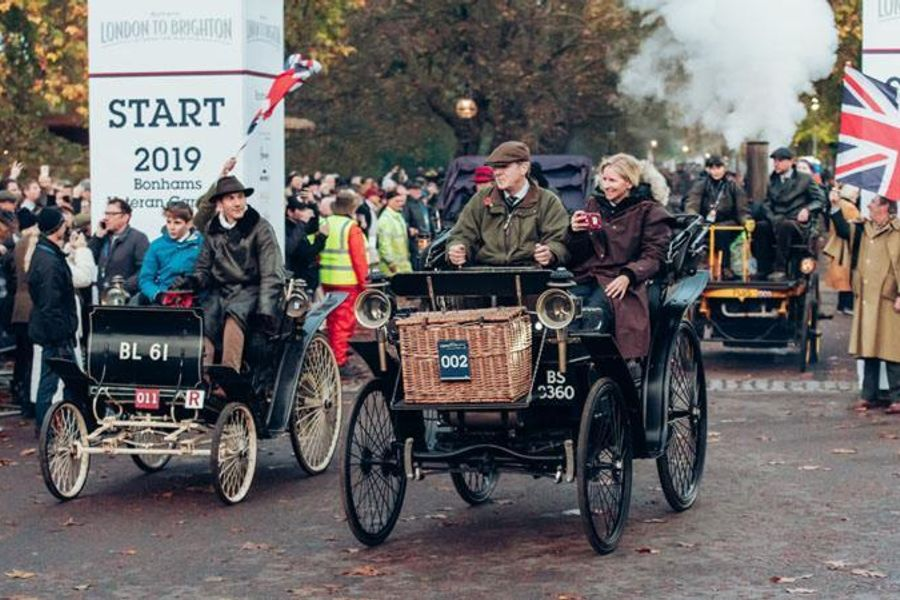 Veterans wow large crowds on historic route to Brighton