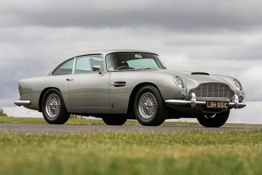 Aston Martin DB5 sold for £607,500 at Silverstone Auctions Saturday sale, results