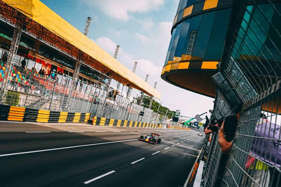 Vips takes FIA F3 World Cup qualification race win in Macau
