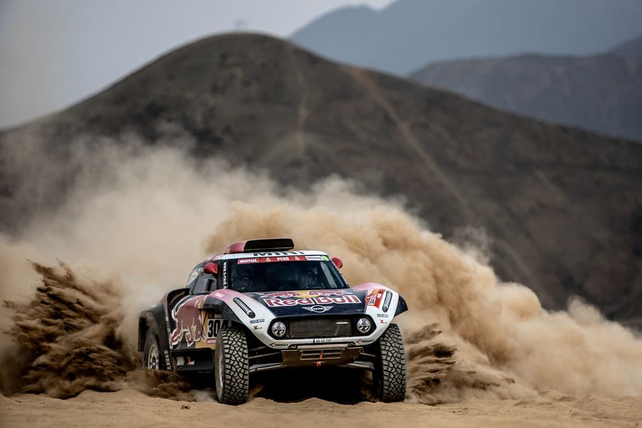 Two Dakar icons and nine MINIs set for action