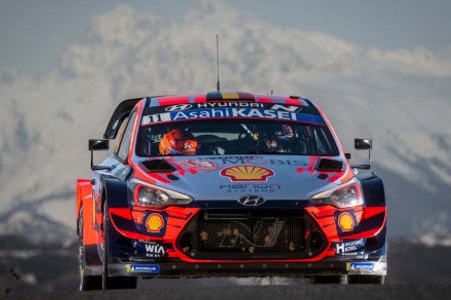 Thierry Neuville takes early Rallye Monte-Carlo lead