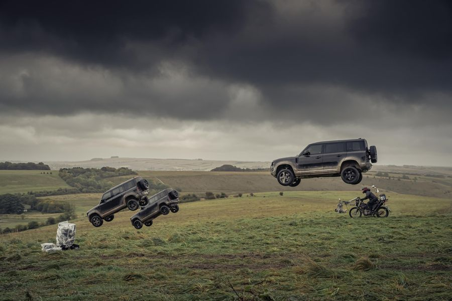 Land Rover Defender flies into action in latest James Bond Film, video