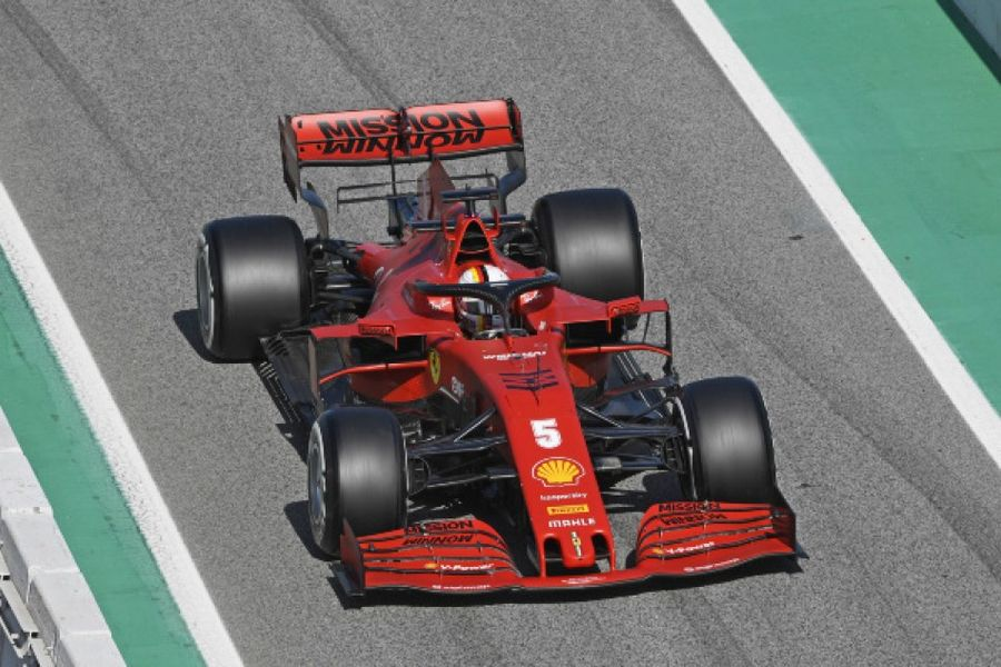 Vettel quickest on penultimate day of F1 testing