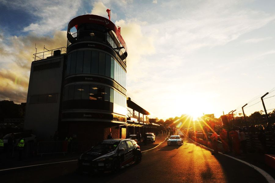 Layouts switched for Brands Hatch BTCC