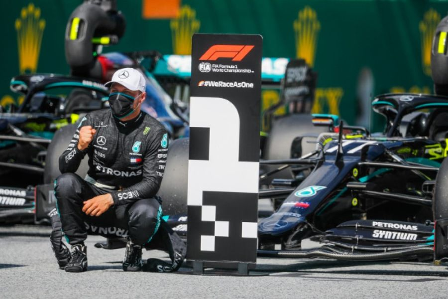 Bottas on pole, Mercedes lockout front row for Austrian Grand Prix