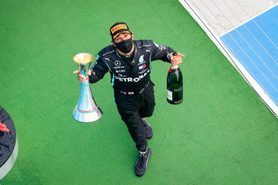 Hamilton wins record equalling eighth Hungarian Grand Prix