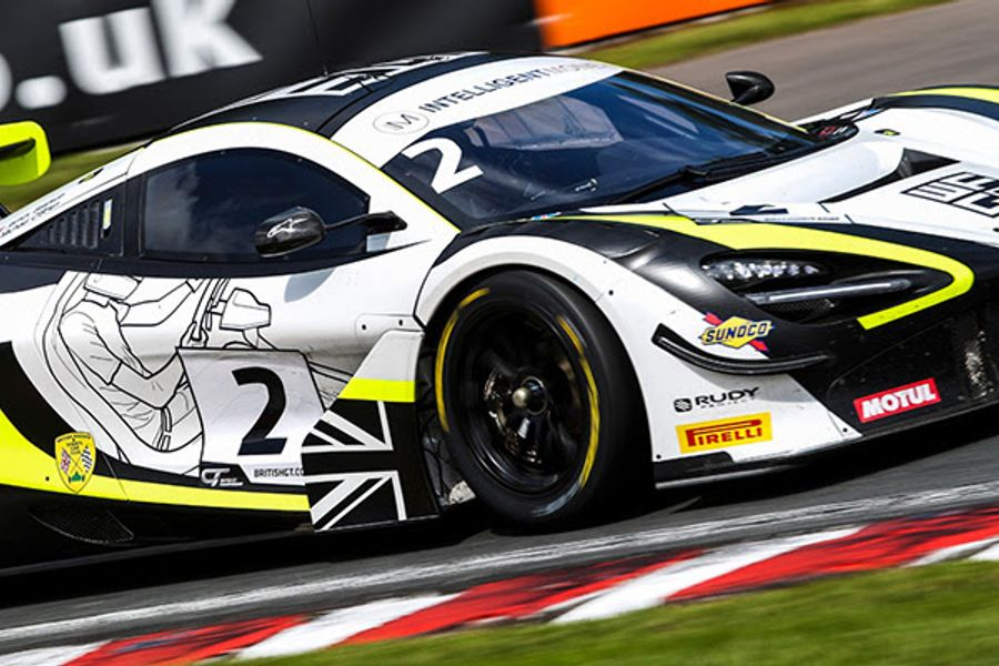 James Baldwin and Michael O'Brien claim GT Race 1 victory at Oulton
