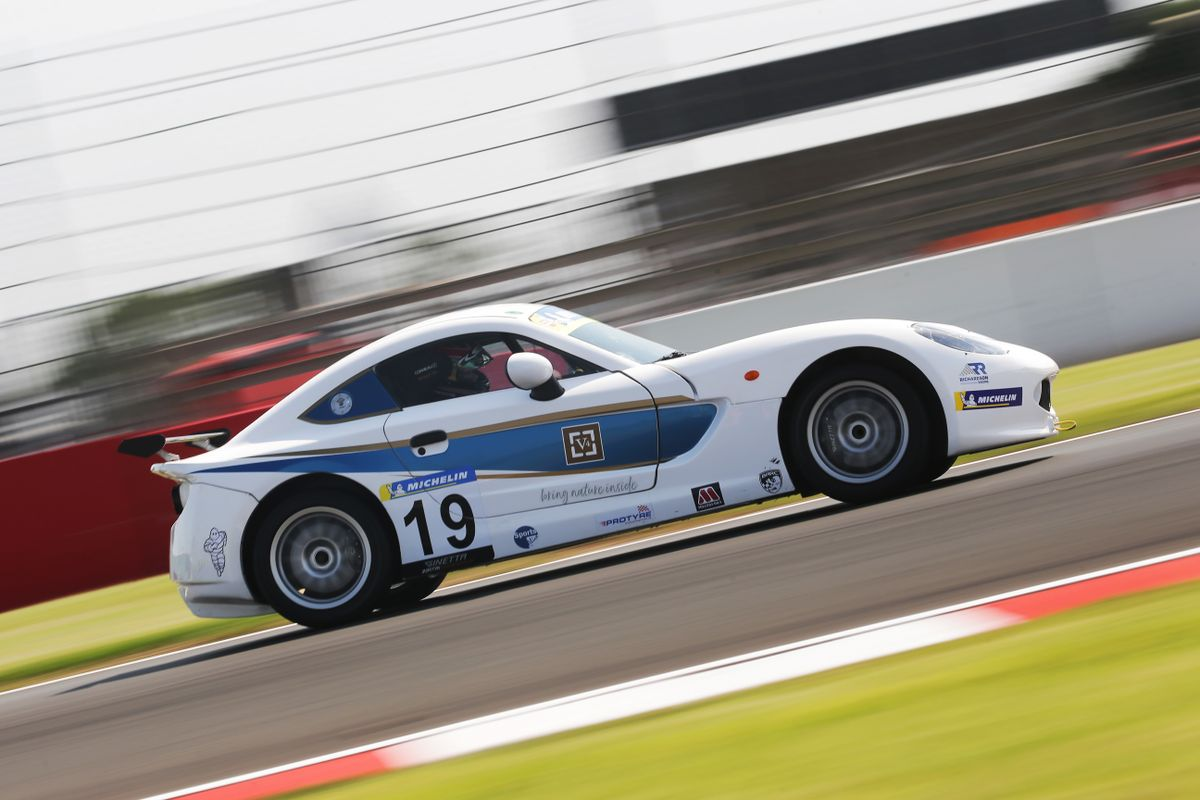 2 from 3 for Richardson Racing in Ginetta Junior Championship opener